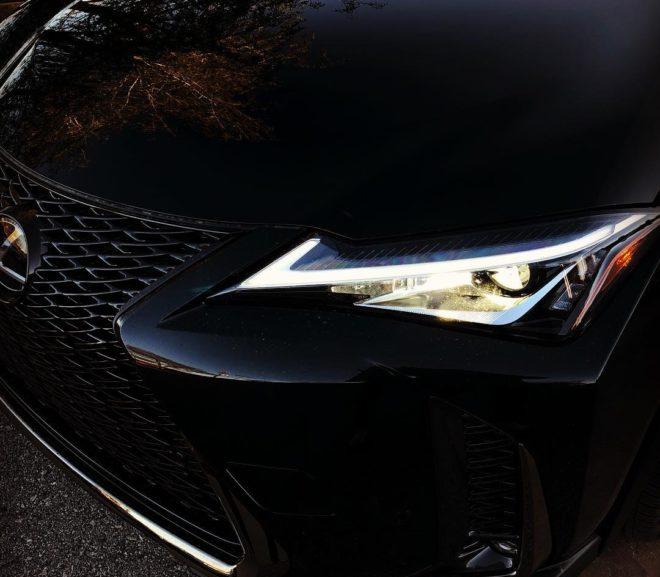 Lexus UX — опаздывает в категорию «luxury длÑ� начинающих», но предÑ�тавлÑ�ет неплохой гибрид